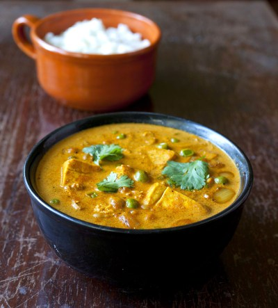 Tofu and Chickpea Curry with Green Peas - The Partial Ingredients