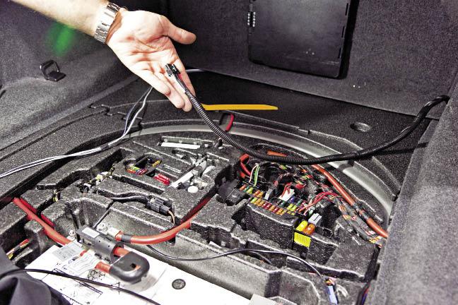 PASMAG PERFORMANCE AUTO AND SOUND - GeekSquad BMW Kicker Install