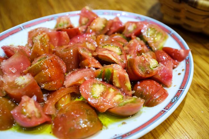 Passagem Gastronômica - Bar Nestor - Salada de Tomates - Pintxos Bar em San Sebastian