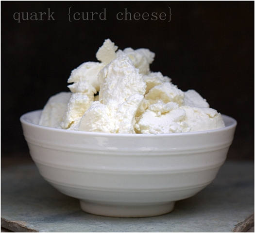 Quark curd cheese
