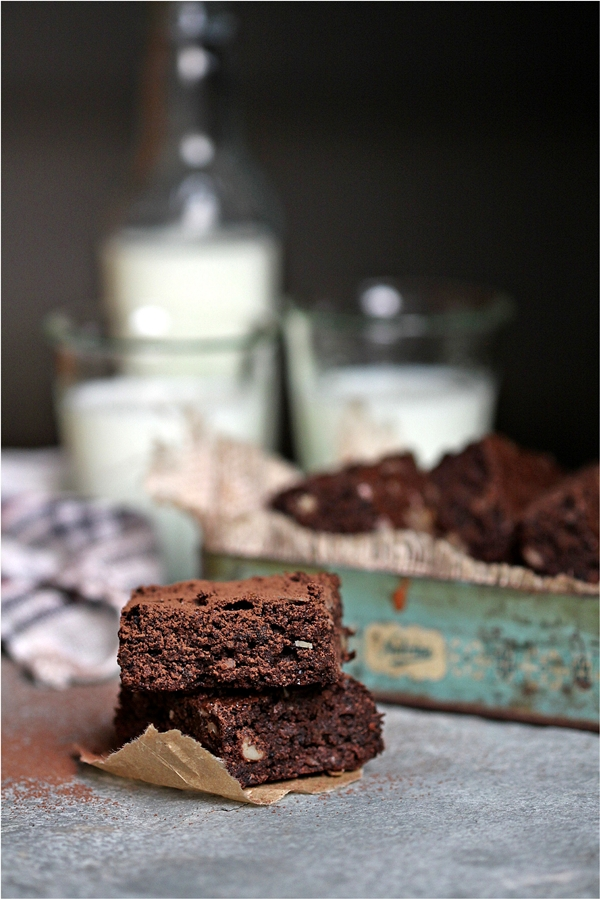 Dark chocolate Buckwheat roasted almond brownies
