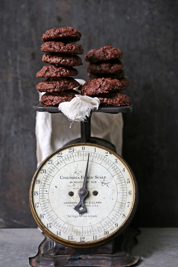 Wholewheat & Oat Dark Chocolate Brownie Cookies