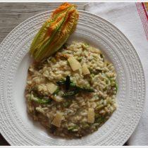 ricetta risotto agli asparagi e fiori di zucca