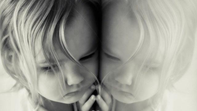 foto_bambina_triste