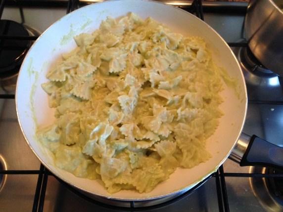 come-far-mangiare-verdure-ai-bambini-pasta-con-crema-di-broccoli