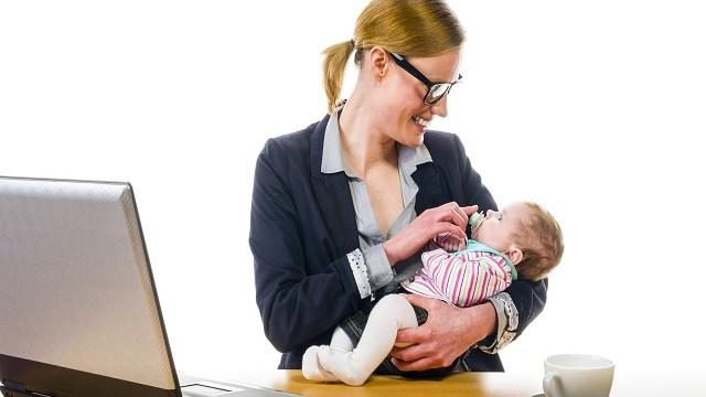 foto_mamme e lavoro
