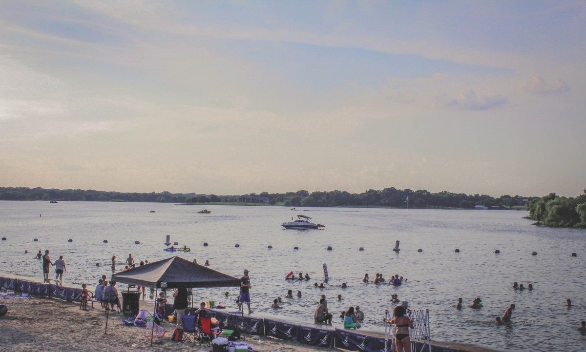 Little Elm lakeside beaches in 德州