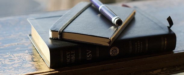 3 Reasons Your Small Group Can Edify and Evangelize at the Same Time