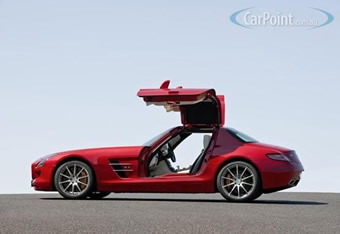 09_2010_Mercedes_Benz_SLS_AMG_Gullwing_7S