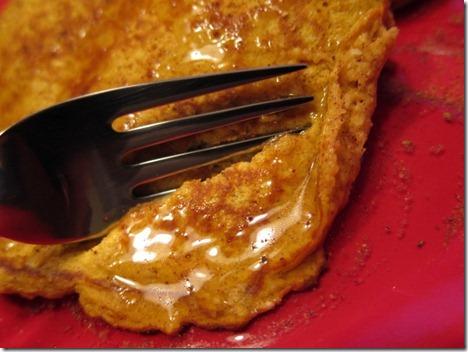 pumpkin protein pancakes 008