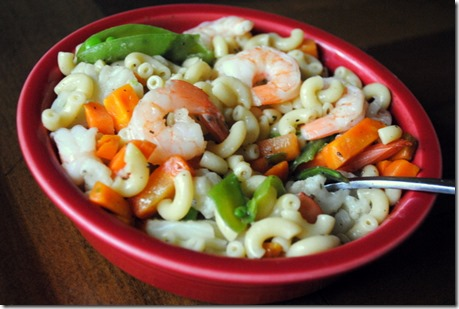 macaroni with shrimp and veggies