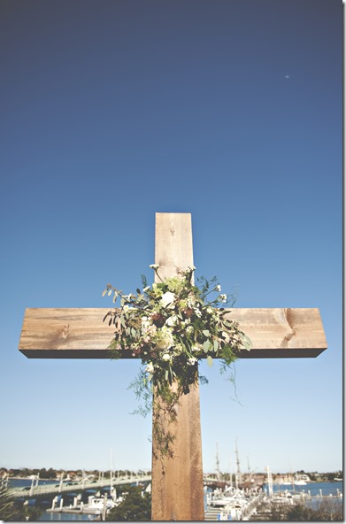 Beautiful Wooden Cross for Wedding