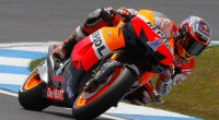 Casey Stoner ha conseguido la pole position en los entrenamientos oficiales del Gran Premio de Portugal de MotoGp. El australiano ha marcado el mejor tiempo en el Circuito de Estoril,...