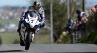 Michael Dunlop ha comenzado por la puerta grande la temporada de Road Races. El piloto del equipo Honda McAdoo se ha llevado la carrera principal de la Cookstown 100 as...