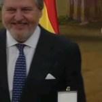 Jorge Lorenzo recibe la Medalla al Mérito Deportivo y el homenaje de sus vecinos