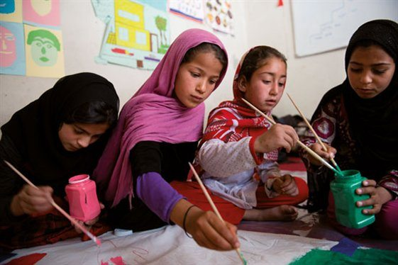 Afghan displaced children and youth paint their lives