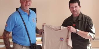 Das neue VÖP Marsch T-Shirt wird vorgestellt
