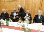 Feiern: v.l. Thomas Zach, HP. Gärtner, Chr. Trobos, F.Puckl mit Gertrud