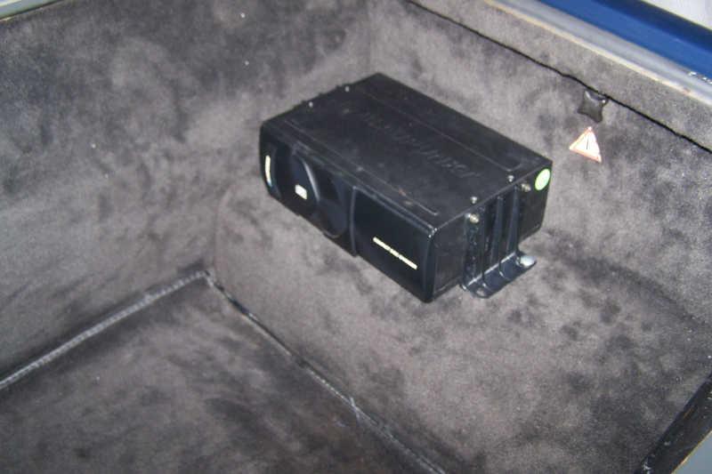 mercedes 560sl fuse box