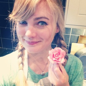 Clare from Little Bear Cakery recently taught me how to make sugar flowers - was very chuffed with this one!