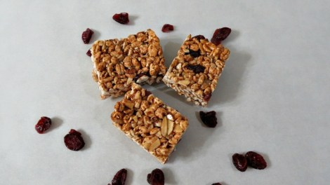 Cinnamon and Almond Puffed Wheat Bars