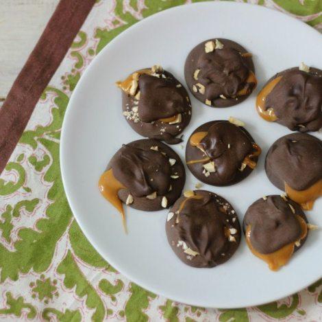 Dark Chocolate Cashew Candies