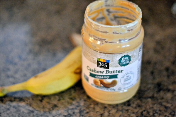 Banana with cashew butter