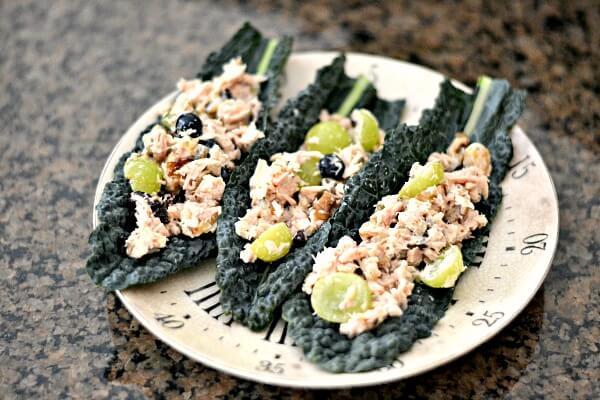 Tuna salad in kale leaves