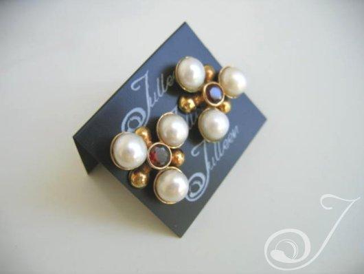 Maja Red Garnet Earrings