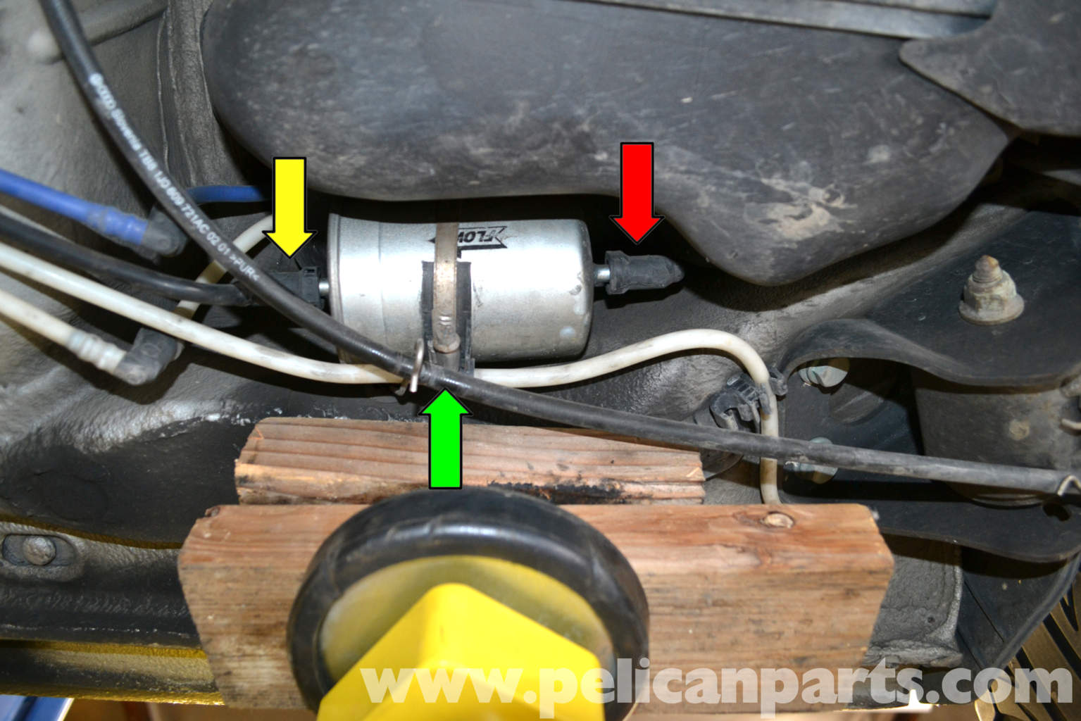 2005 audi a4 fuel filter location