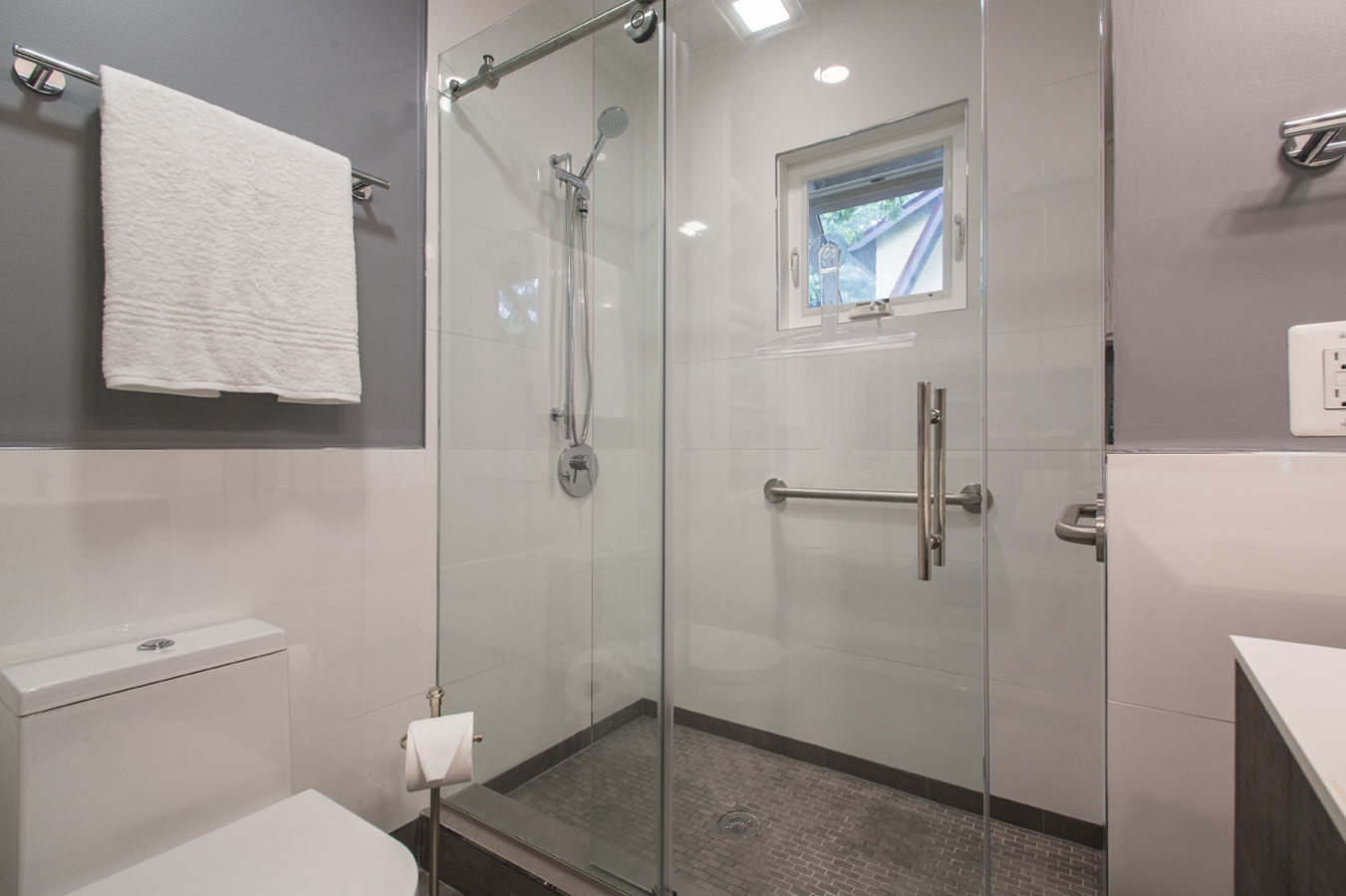Bathroom Trends: Tubs and Showers  Pelican Residential