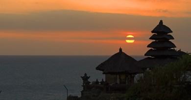 Sunset-tanah-Lot