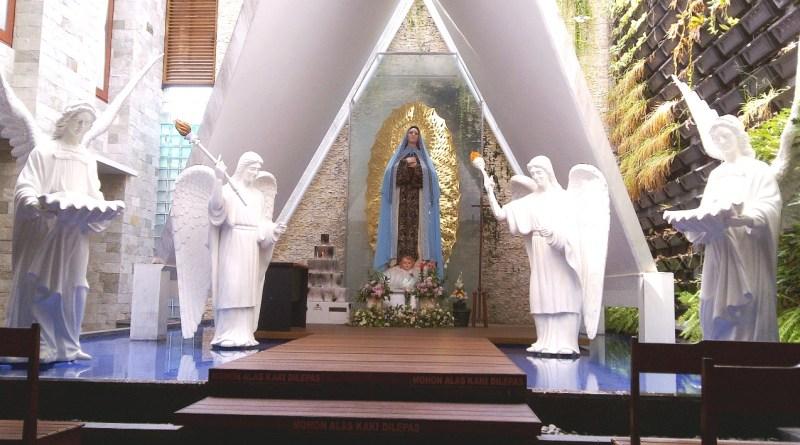 Maria_Grotto_of_Francis_Xavier_Church,_Kuta-Bali
