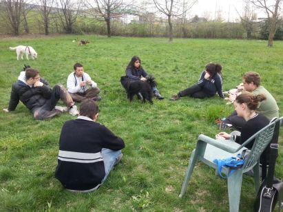 Momenti di relax nell'area Cani