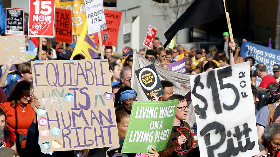 Low-wage workers, progressive Dems push minimum wage hike \u2013 People\u0027s