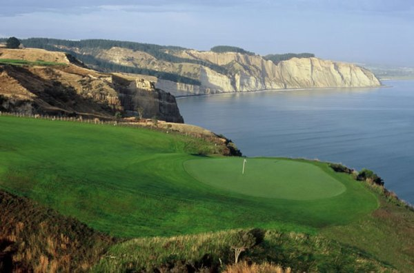 Tom Doak's Cape Kidnappers in New Zealand