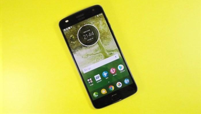 El Moto Z2 Play está a punto de empezar a venderse en Perú
