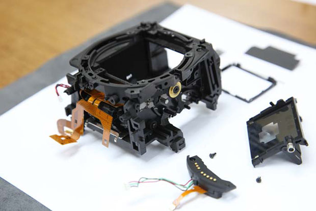 Canon 5D Mark II Completely Disassembled canonexploded3