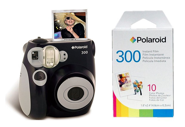 Polaroid Returns to Instant Film Game Looking Like Fujifilm newpolaroidcam