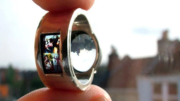 Nifty Photo Projecting Wedding Ring projectorring