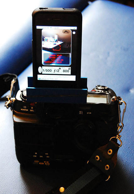 Use Your iPhone as a Free Hot Shoe Mounted Light Meter iphonemeter
