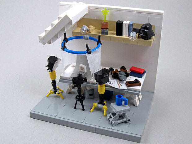 Home Photo Studio Recreated with Lego legostudio