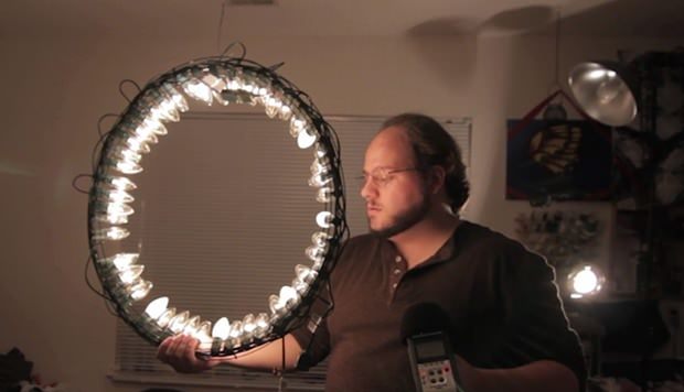 Build a Cheap Ring Light Using Christmas Lights and a Wreath Frame wreathlight mini