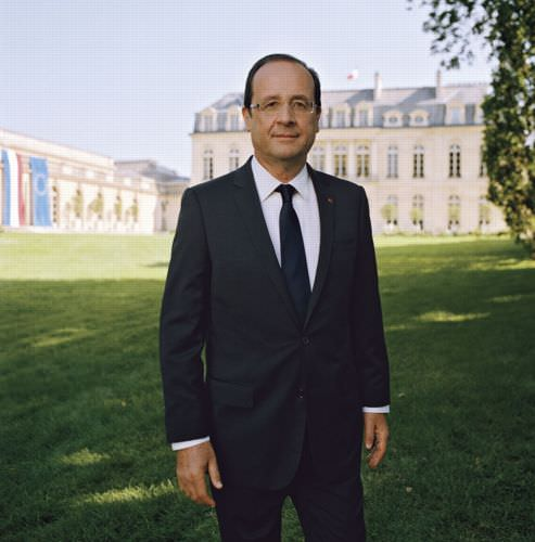 Portrait of French President Sparks Criticism and Mockery presidentportrait mini