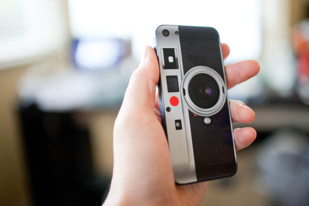 Give Your iPhone 5 a Leica Costume iphone5leica 4