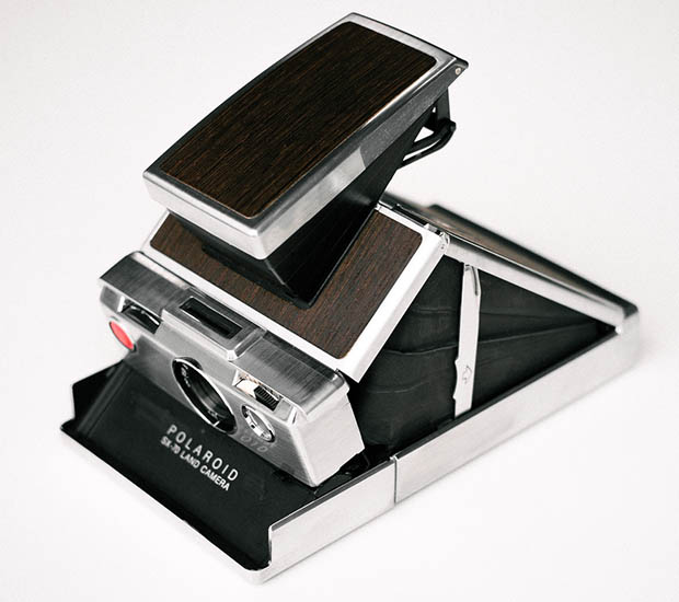 A Beautiful Wenge Wood Edition of the Iconic Polaroid SX 70 Alpha wenge1