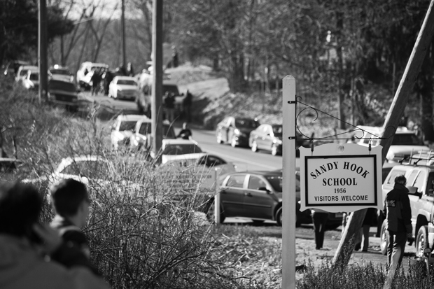 A Photographers First Hand Account of the Sandy Hook School Shooting MG 3046