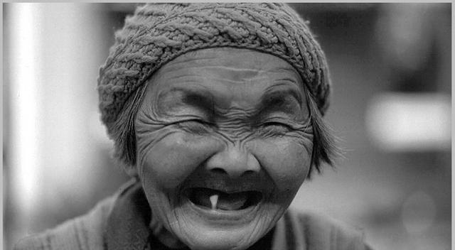 Lachanfall: Die beste Medizin gegens Altern.
