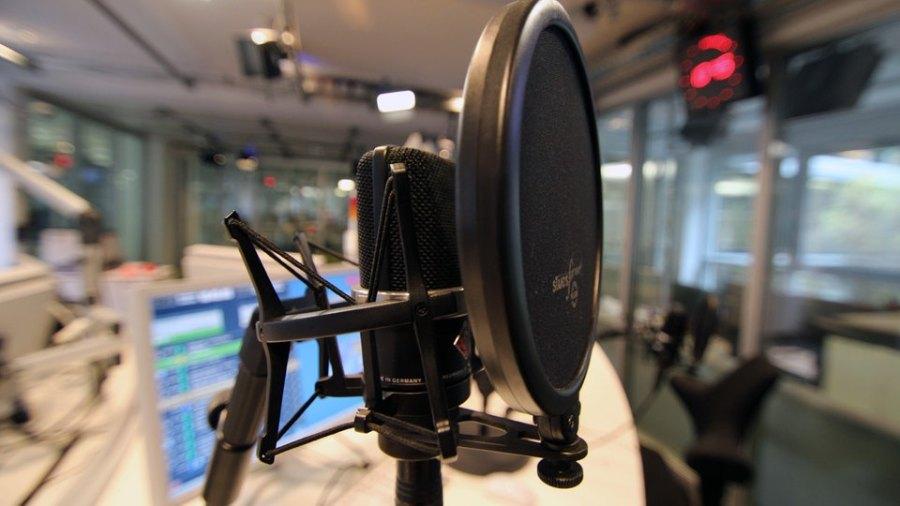 einslive-studio-mikrofon100-_v-ARDFotogalerie.jpg