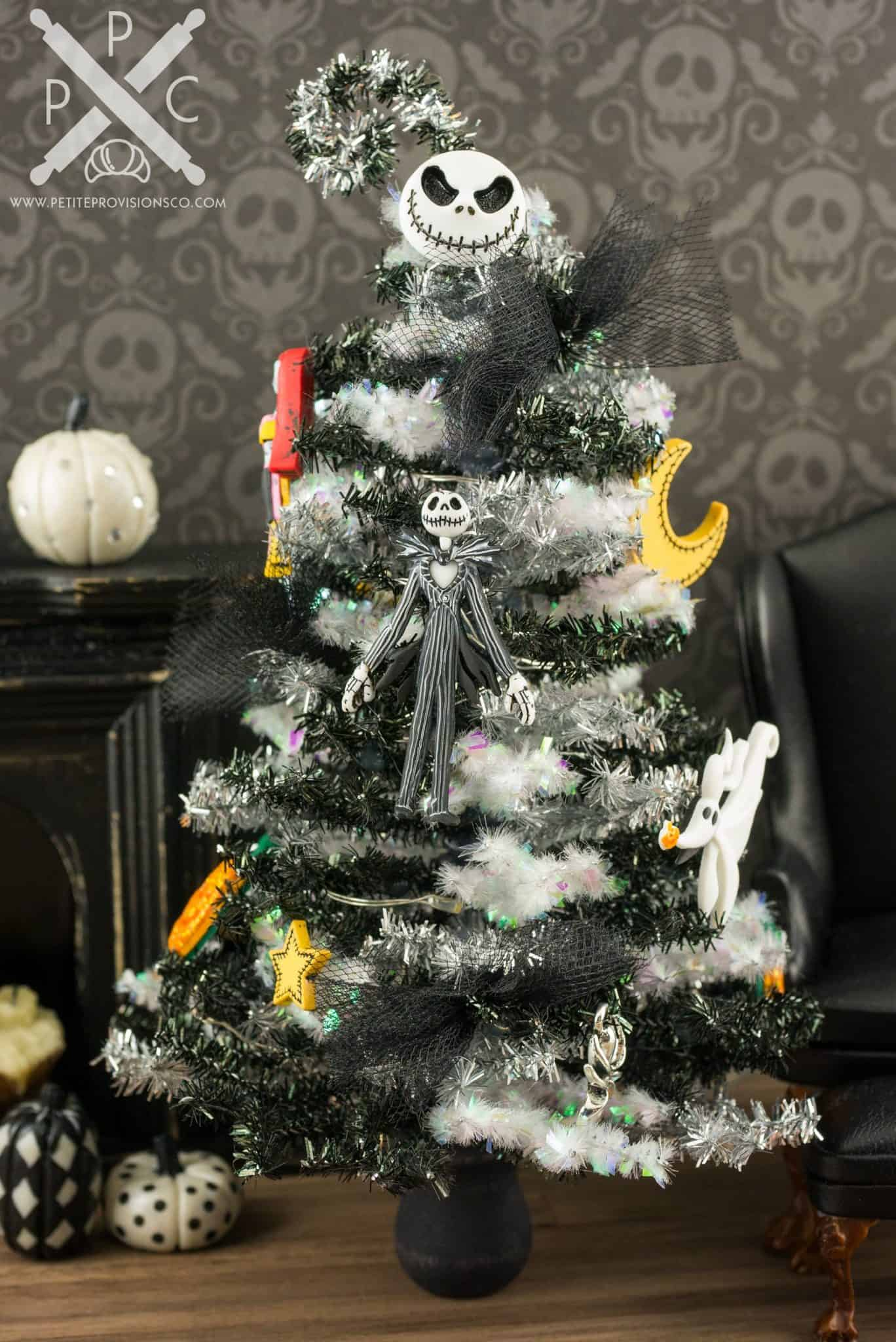 Shapely Halloween Trees Are Now A Thing Usa Baby Magazine Halloween ...
